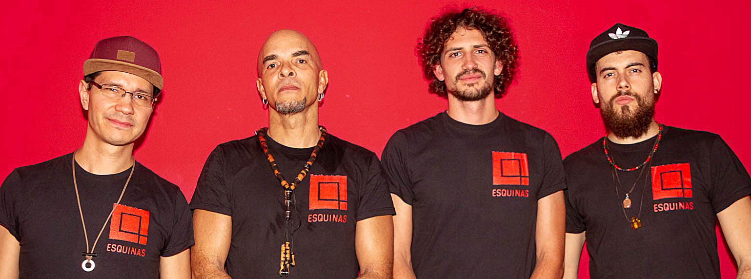 4 Esquinas musicians
